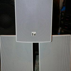 6x TOA BS-1030W Blanco 30W 8Ω 70V / 100V Altavoz Bass Reflex de 2 vías con soportes de pared