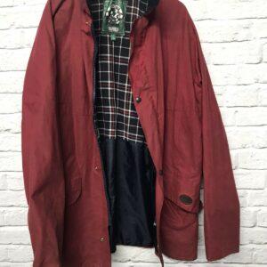 Abrigo de cera Oxford para exteriores en rojo, tamaño de etiqueta UK 42