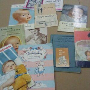 Colección de folletos de libros, etc.todos sobre bebés y maternidad