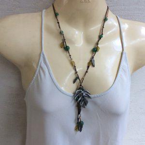 Collar boho verde / citrino con elementos plateados