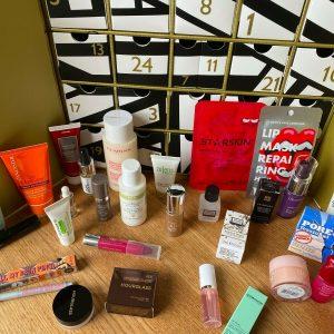 JOHN LEWIS Beauty Adviento Calendario Completado con 25 productos de alta gama PVP £ 350 +