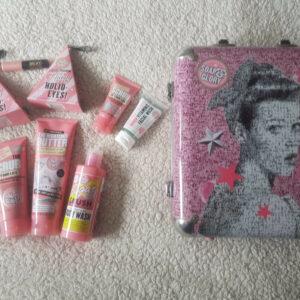 Jabón y gloria - Paquete de productos - Baño, cuerpo y maquillaje - Lote de trabajo