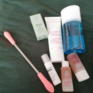 Paquete de productos para el cuidado de la piel facial