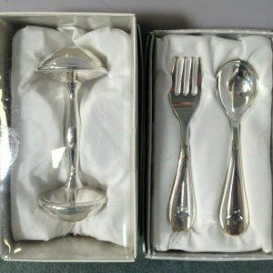 Regalo de bautizo para bebé Tenedor y cuchara plateados + Sonajero para bebés