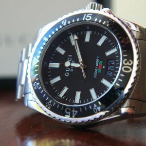 Reloj GUCCI Dive HOMBRE YA136301 * PVP £ 1050.00 *