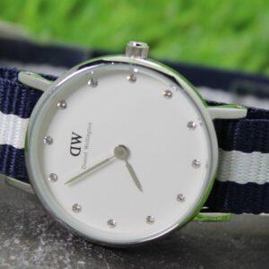 Reloj de cuarzo para mujer Daniel Wellington con correa de nailon