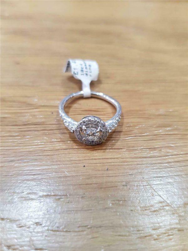 18 ct diamond ring