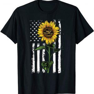 American Flag Art Sunflower Flip Flop Hippie Apparel Women T-Shirt Birthday Gift
