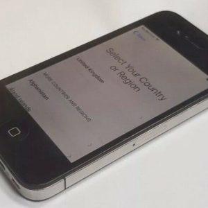 Apple iPhone 4- 8gb (Unlocked ) - Black  Mobile phone Grade B-Fast Free post