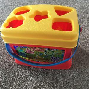 Fisher Price Baby Steckspiel Spielzeug Koffer Setzkasten Vollständig