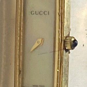 Gucci Swiss Ladies Designer Fashion Watch 1500L