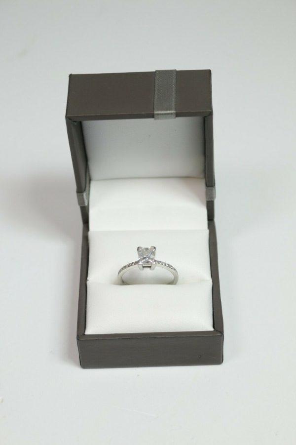 Platinum Diamond Solitaire Engagement Ring